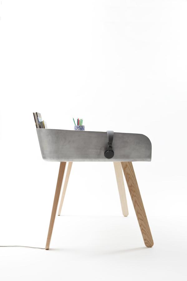 Tomas Kral's Homework Desk5