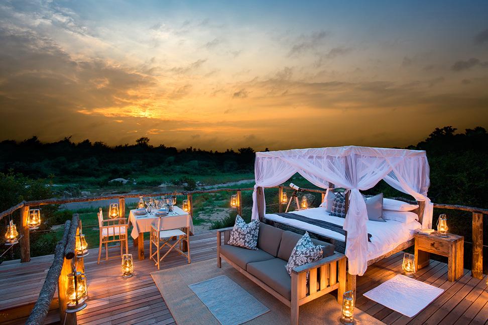 大自然に囲まれた野外で宿泊できるツリーハウス「LION SANDS TREE HOUSE」