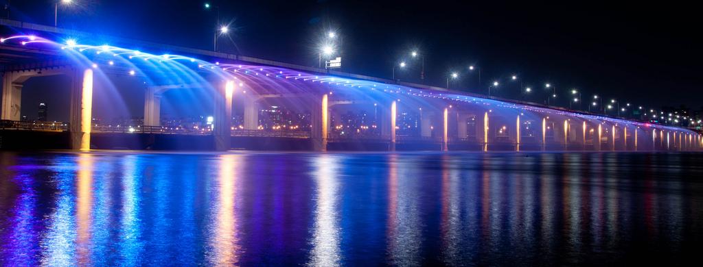 虹色の噴水が出る韓国にある橋「Banpo Bridge」14