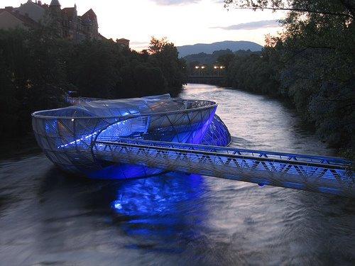オーストリア グラーツに架かる橋 Aiola Island Bridg