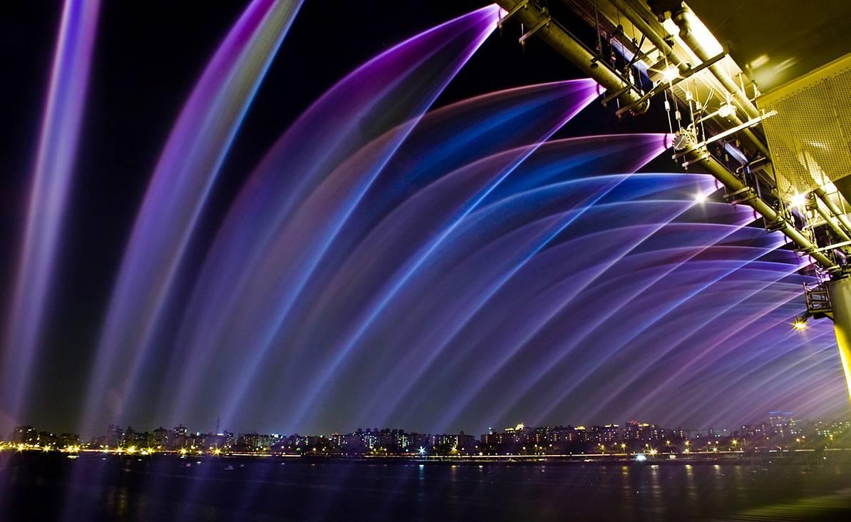 虹色の噴水が出る韓国にある橋「Banpo Bridge」11