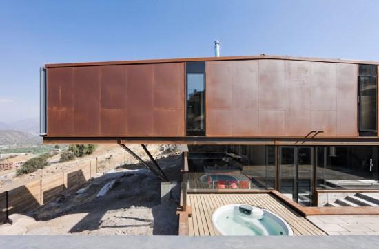 輸送用コンテナでつくった豪邸。小高い丘に建つ高級感溢れるコンテナハウス「casa oruga」30