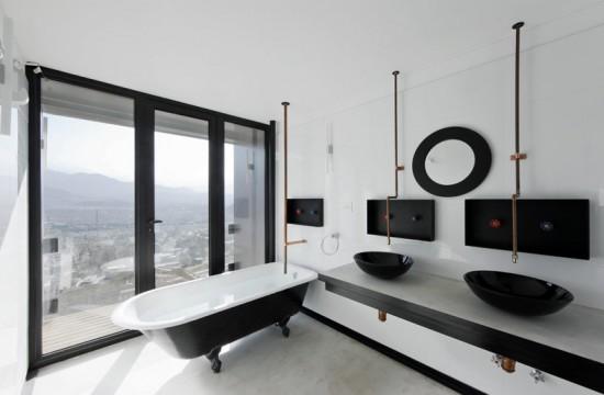 輸送用コンテナでつくった豪邸。小高い丘に建つ高級感溢れるコンテナハウス「casa oruga」28