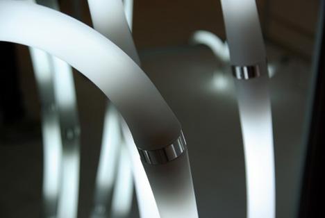 竹取物語に出てきそうな、Yamagiwa(ヤマギワ)の竹のようなライト「Bamboo Light System」