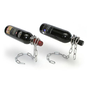 ワインが重力に逆らい浮いているかのように見えるワインホルダー