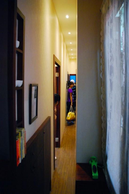 狭小住宅の粋を超える絶対に住めない家。世界でもっとも細く狭い家