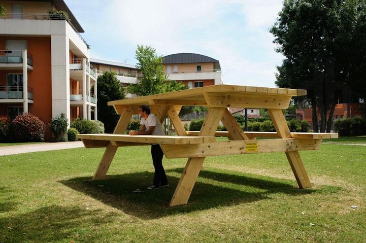 子供の頃の気持ちを取り戻すことが出来る巨大なテーブル