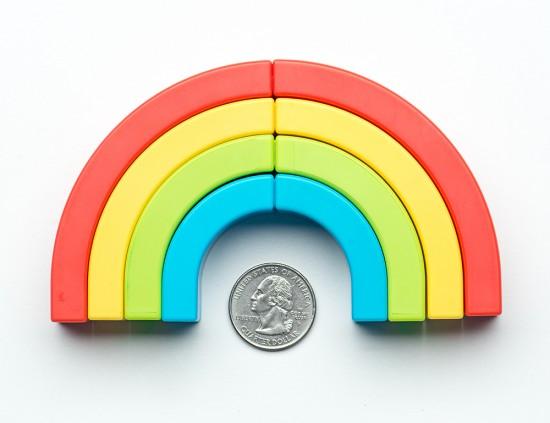 虹の形をした虹色のペン「Rainbow Highlighters」