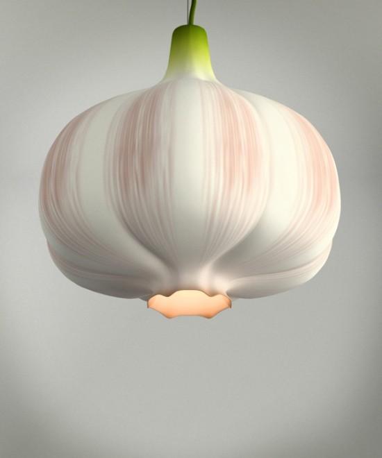 にんにくの形をした照明「Garlic Lamp」