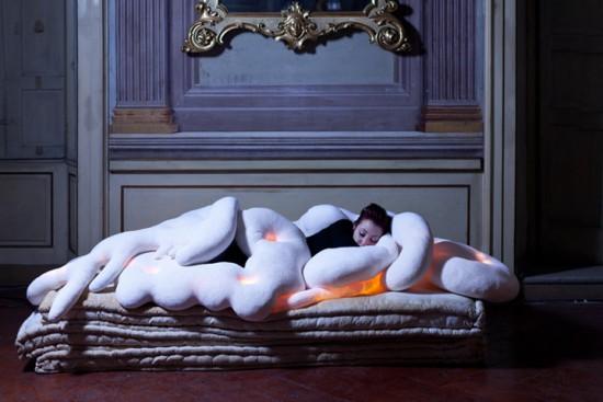 光り加熱する枕 lightmate1