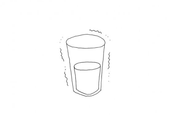 冷たく見えるグラス「hie-hie」