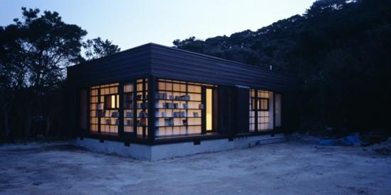 図書館を両立した住宅兼図書館「 絵本の家」11