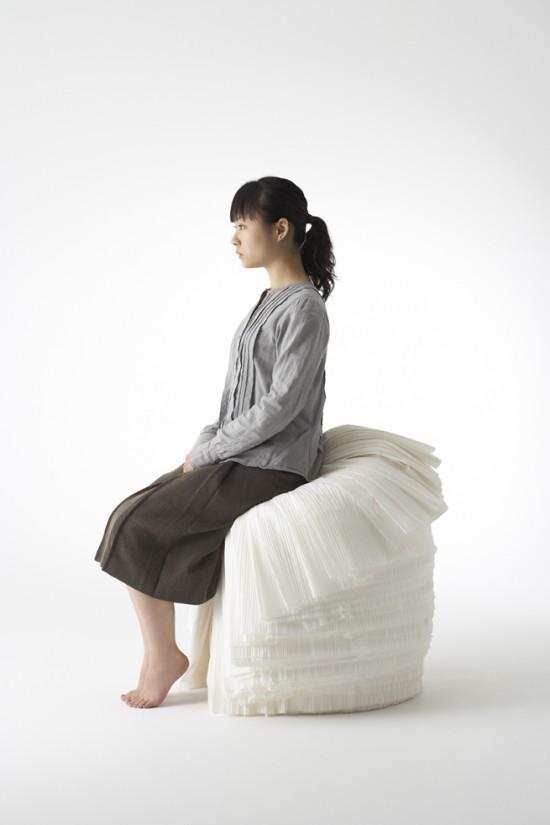 捨てられた紙を-「剥いて」つくったイス「cabbage chair」6