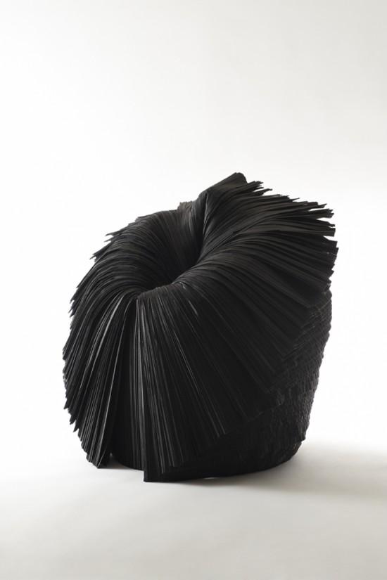 捨てられた紙を-「剥いて」つくったイス「cabbage chair」10