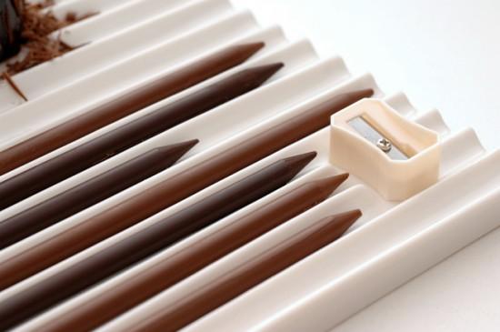 チョコレートで出来た鉛筆を削ることでつくるスイーツ「chocolate-pencils」3