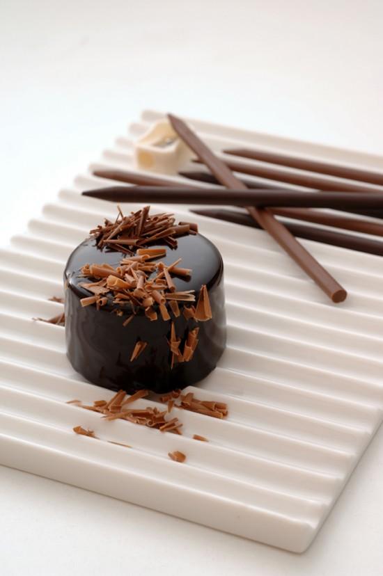 チョコレートで出来た鉛筆を削ることでつくるスイーツ「chocolate-pencils」4