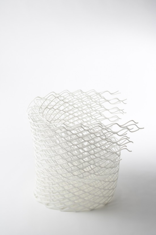 ダイヤモンドの結晶構造を活かして三次元プリンターで 「出力」されたイス「diamond chair」2