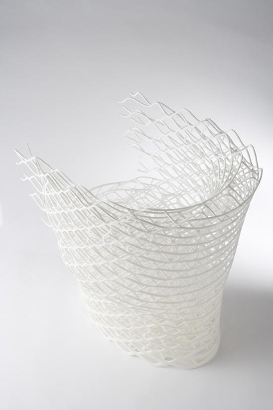 ダイヤモンドの結晶構造を活かして三次元プリンターで 「出力」されたイス「diamond chair」3