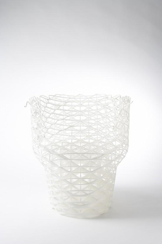 ダイヤモンドの結晶構造を活かして三次元プリンターで 「出力」されたイス「diamond chair」4