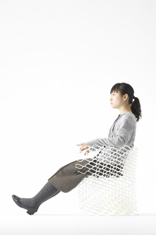 ダイヤモンドの結晶構造を活かして三次元プリンターで 「出力」されたイス「diamond chair」9