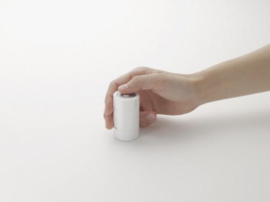 「電池」の形状をしたワイヤレスマウス「kandenchi」4