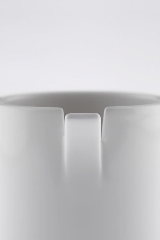 コップの一部が「めくれた」ことにより機能性を高めたコップ「peel」9