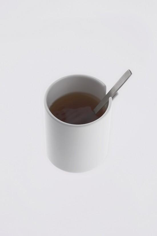 コップの一部が「めくれた」ことにより機能性を高めたコップ「peel」4