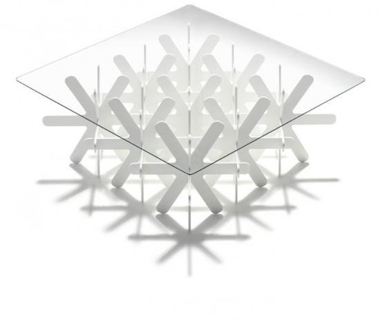 地面に雪が降り積もるかのように生まれるローテーブル「snow」2