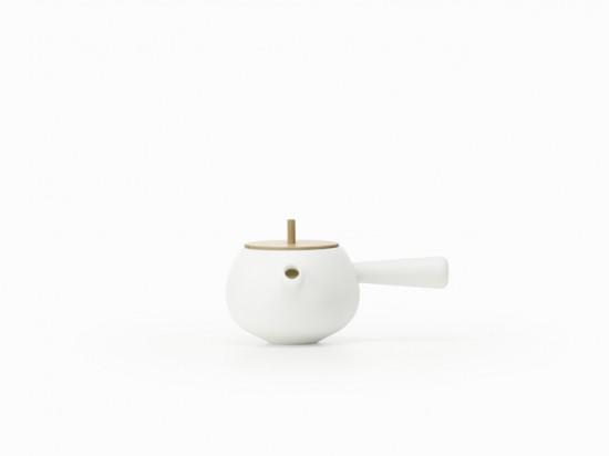 フタが「コマ」になっている 急須と湯呑み「top-tea set」4