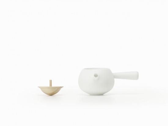 フタが「コマ」になっている 急須と湯呑み「top-tea set」5