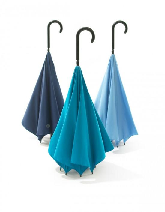 デザイナー梶本博司氏がデザインした、実用性を考えたら逆さまになった、逆さまの傘「UnBRELLA 」