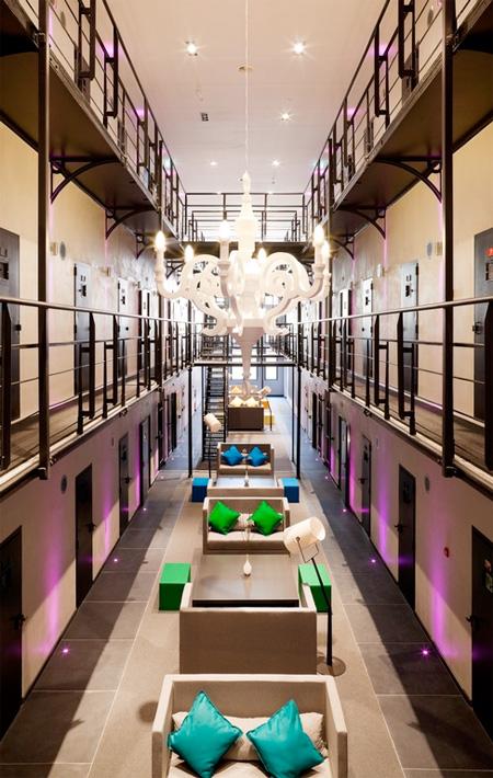 prisonhotel06