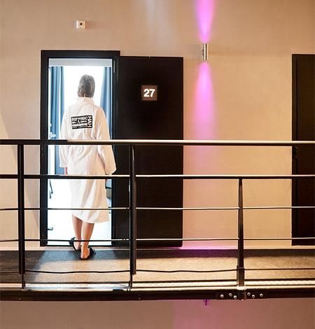 prisonhotel12