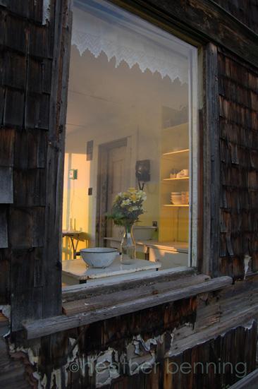 hb_22_Through-the-Kitchen-Window