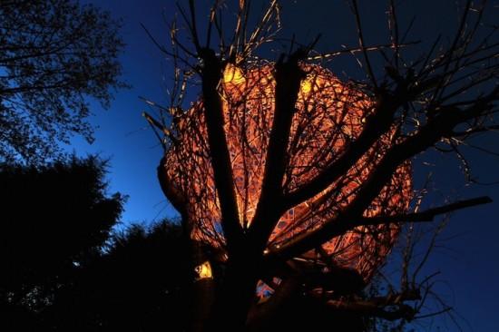 魅惑的なツリーハウス「Cherry Tree House」