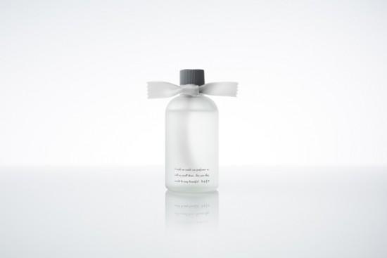 リボンが香りを揮散させる ルームフレグランス