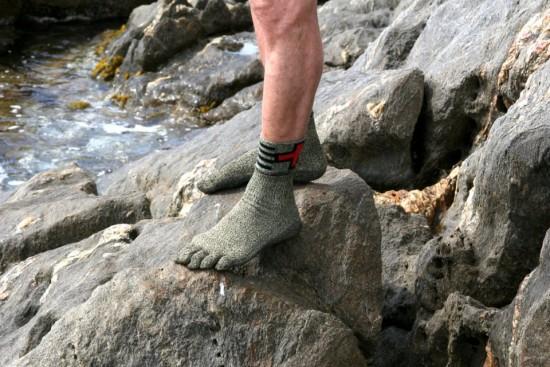 外で走ったりクライミングしたりできる靴下