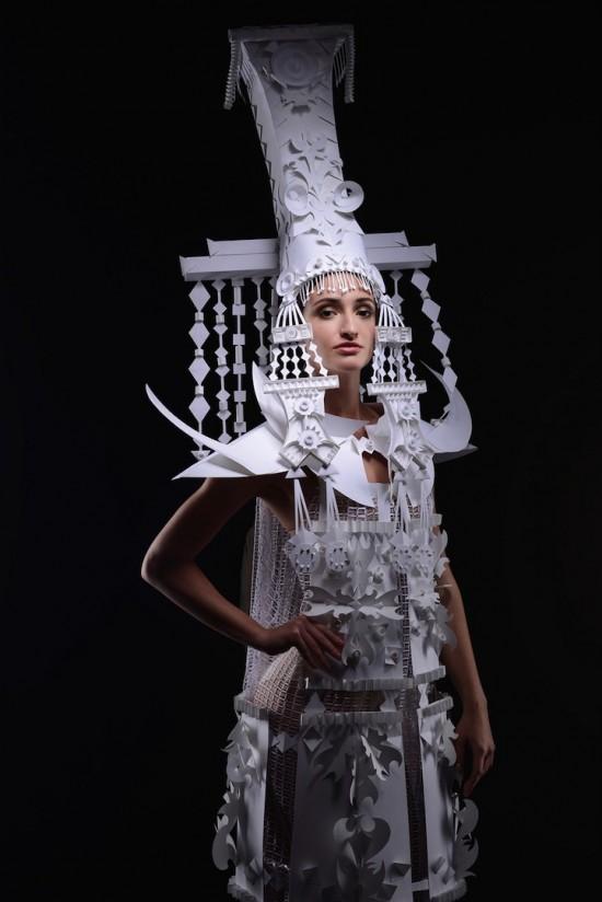 紙でつくったウエディングドレス