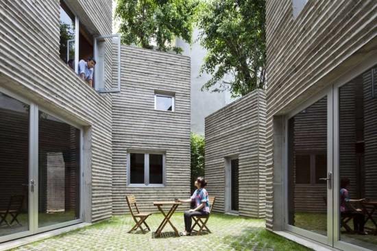 ベトナムのホーチミン市に建てられた木の為の家「House for Trees」