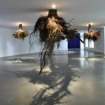 天空の城ラピュタの木の根のような雰囲気をもつアート作品「Humus(腐植土)」