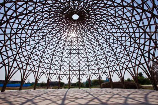 ベトナムのホーチミン市のダイヤモンド島にある竹で造られたドーム形の施設「diamond Island