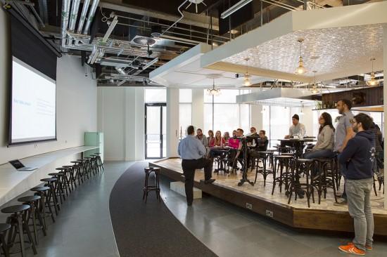 ダブリンの会社Airbnbのクリエイティブなオフィス