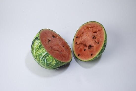 趙 燁(ちょう ひかる)さんが果物や野菜などに描いた作品