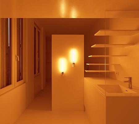 パリのモダンなアパート