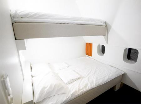 本物のジャンボジェット機の中で一夜を過ごすことが出来るホテル「Jumbo Stay」