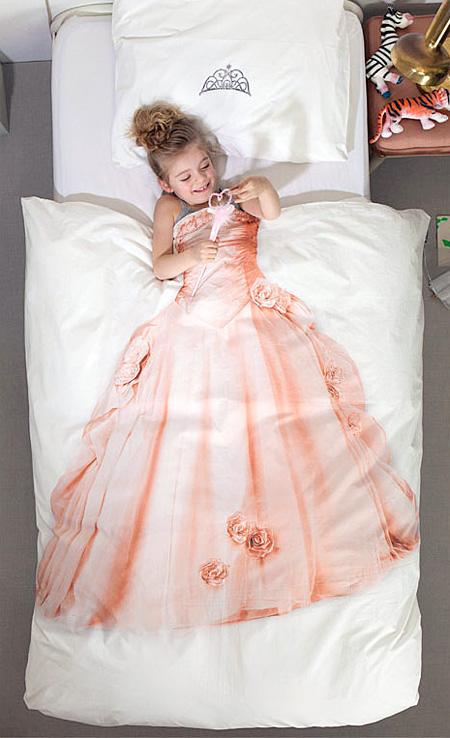 お姫様になれるベッドシーツ