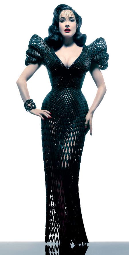 3Dプリンタでつくったタイヤのようなデザインの洋服。