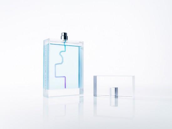 輪郭で記憶が甦る香水瓶「Fandango」