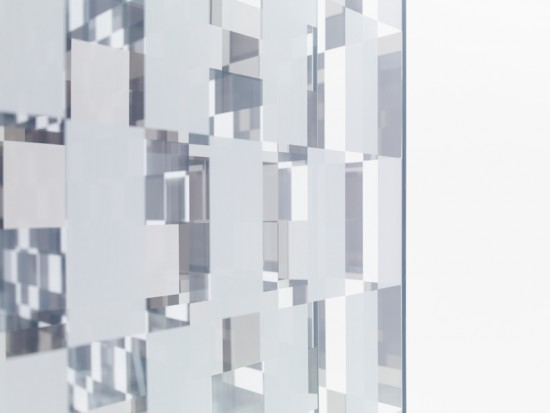 反射のカケラでできたパーティション「fragment」