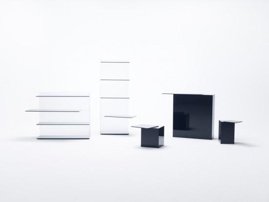 ガラスの接着技術でズレる動きを表現した棚とテーブルのコレクション「 slide」